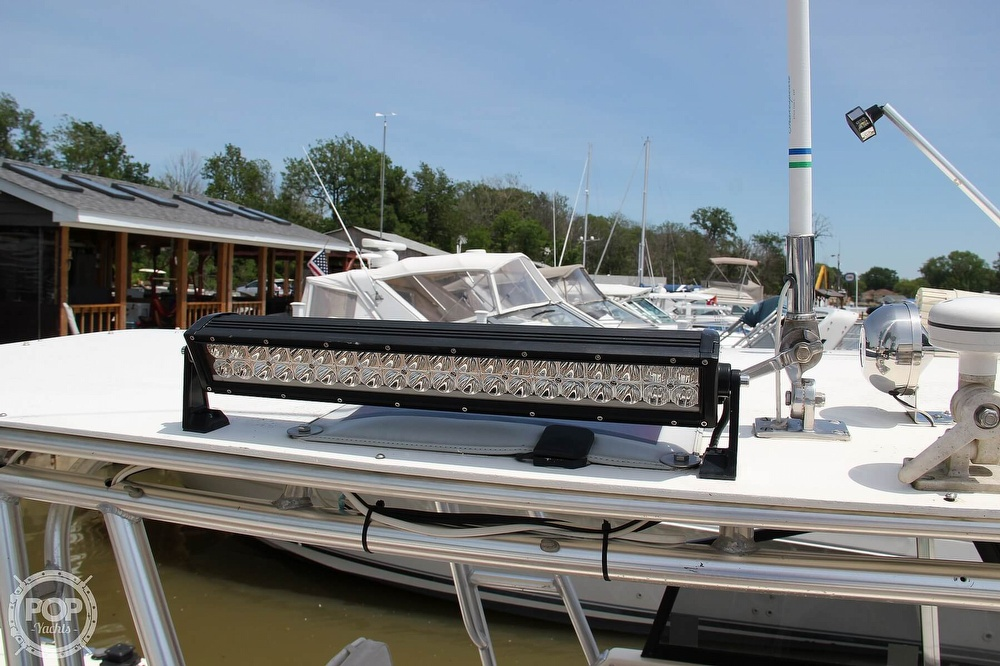 1999 World Cat boat for sale, model of the boat is 266SC & Image # 17 of 40
