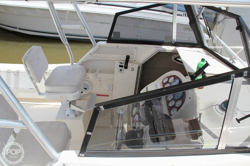 1999 World Cat boat for sale, model of the boat is 266SC & Image # 19 of 40