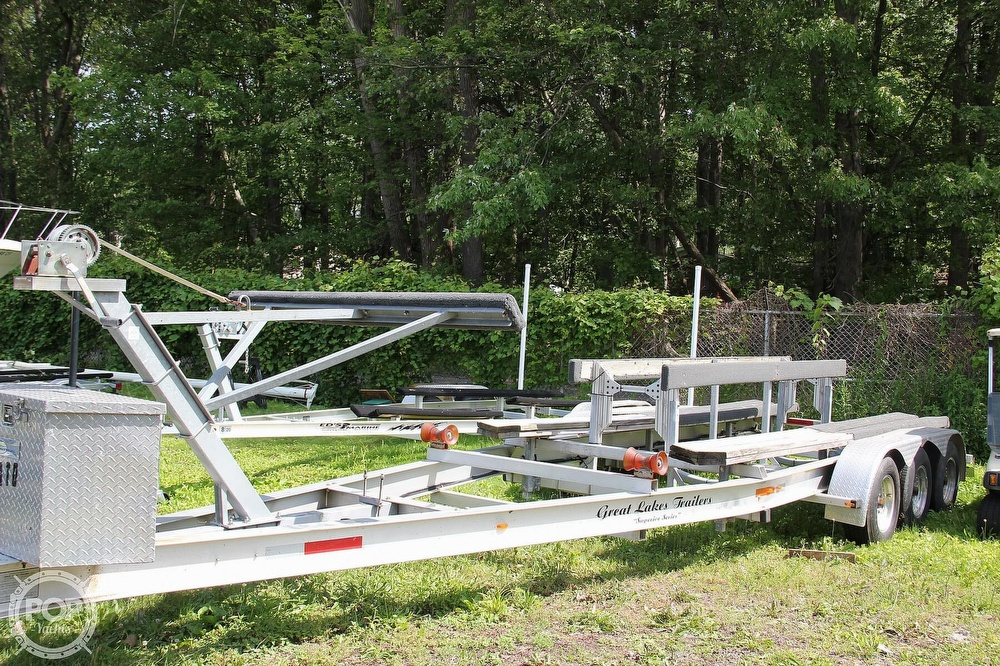 1999 World Cat boat for sale, model of the boat is 266SC & Image # 9 of 40