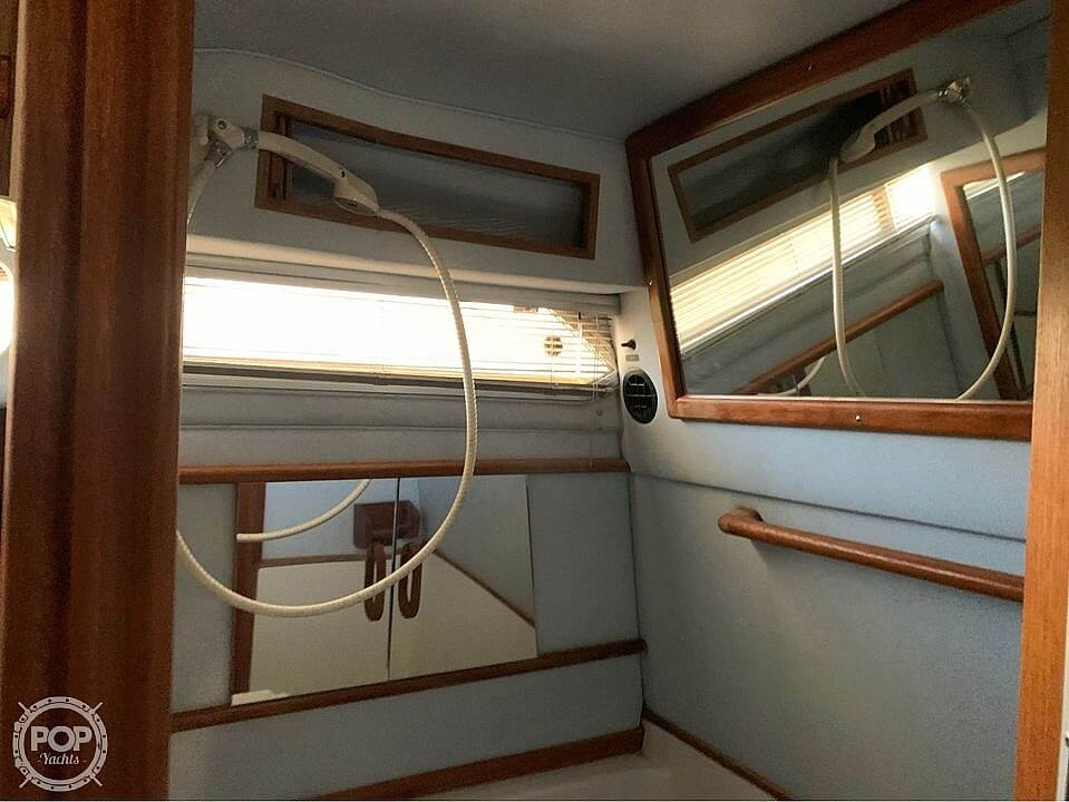 1987 Sea Ray boat for sale, model of the boat is 300 Sundancer & Image # 7 of 19