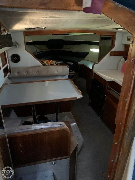 1987 Sea Ray boat for sale, model of the boat is 300 Sundancer & Image # 10 of 19