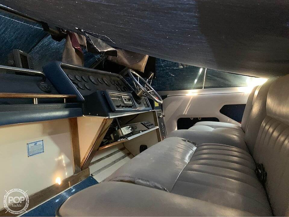 1987 Sea Ray boat for sale, model of the boat is 300 Sundancer & Image # 15 of 19