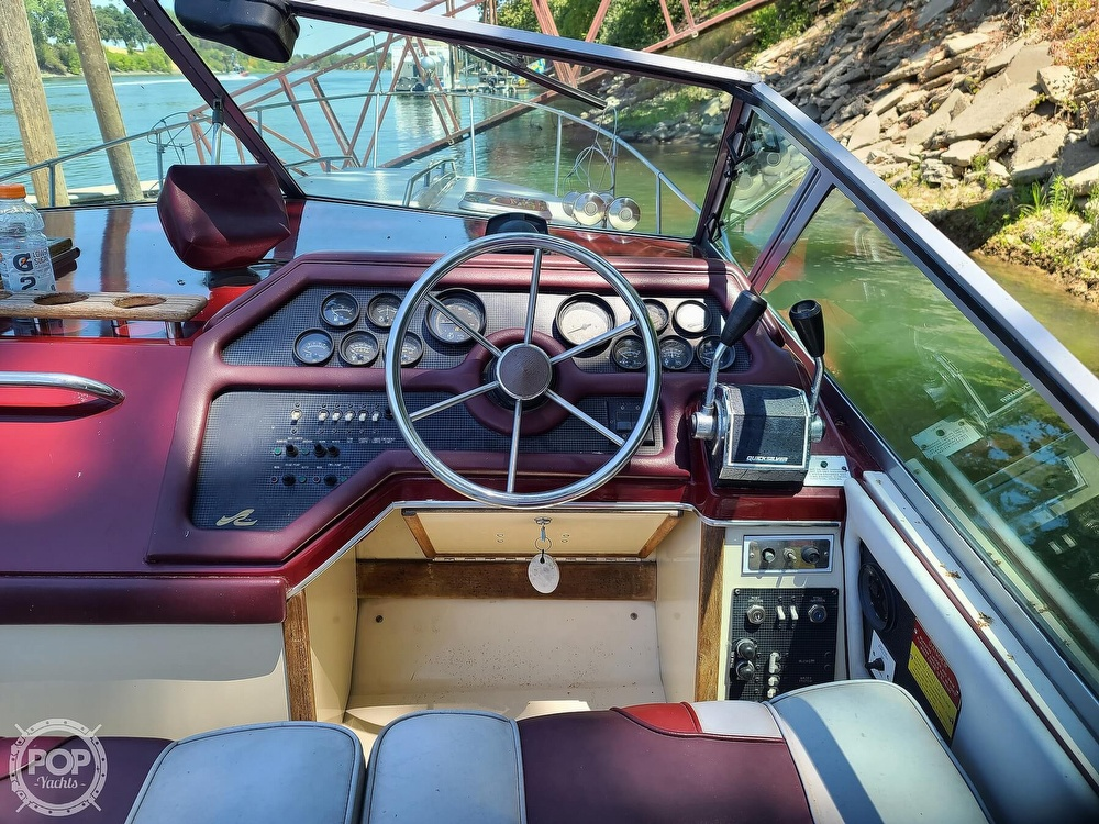 1987 Sea Ray boat for sale, model of the boat is 270 & Image # 12 of 40