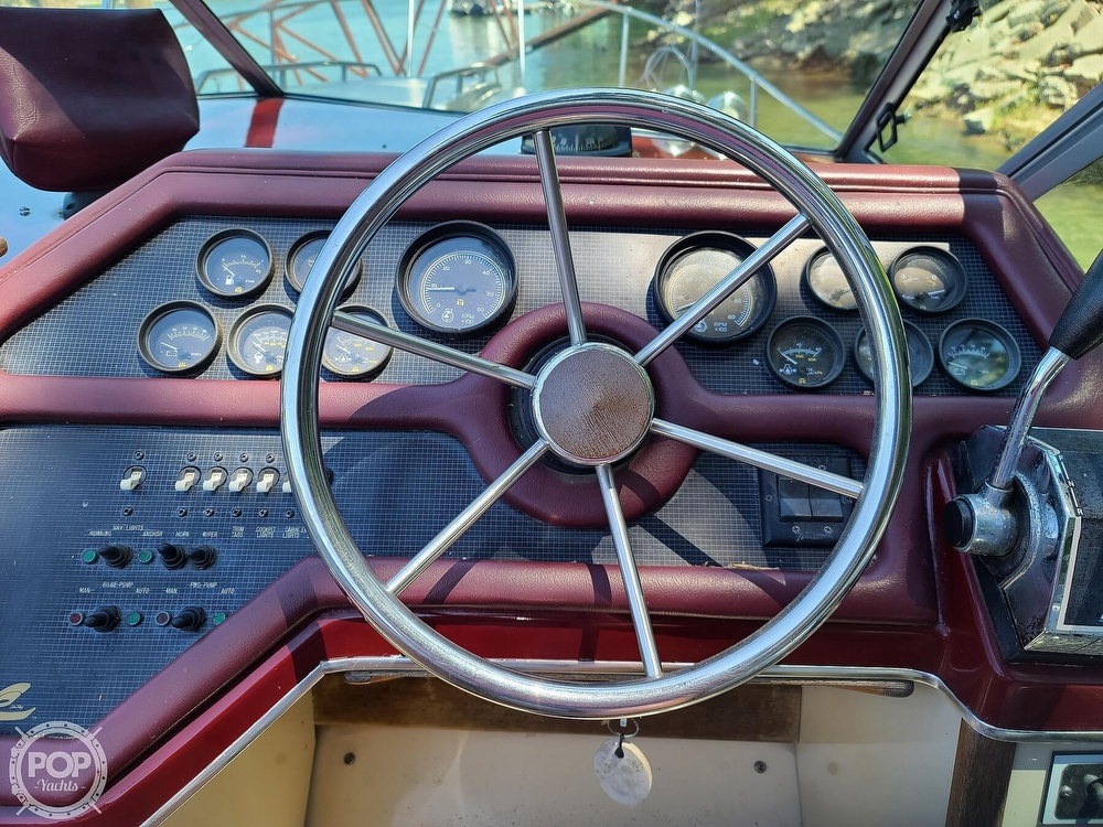 1987 Sea Ray boat for sale, model of the boat is 270 & Image # 16 of 40