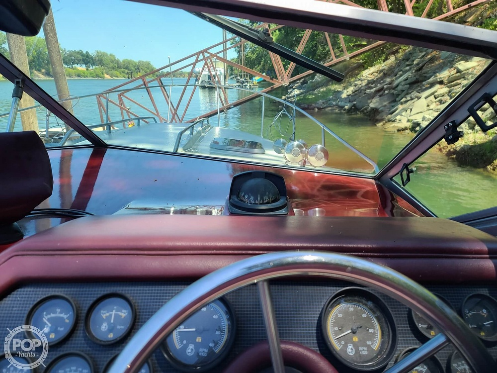 1987 Sea Ray boat for sale, model of the boat is 270 & Image # 20 of 40