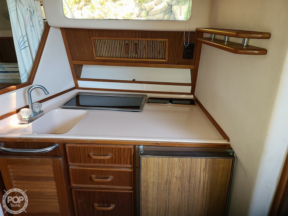 1987 Sea Ray boat for sale, model of the boat is 270 & Image # 33 of 40