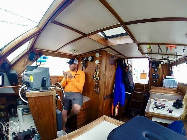 1990 Folkes boat for sale, model of the boat is 42 & Image # 11 of 19