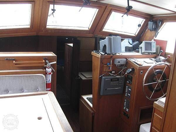 1990 Folkes boat for sale, model of the boat is 42 & Image # 2 of 19