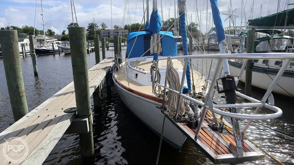1974 Gulfstar boat for sale, model of the boat is 41 Center Cockpit & Image # 4 of 40