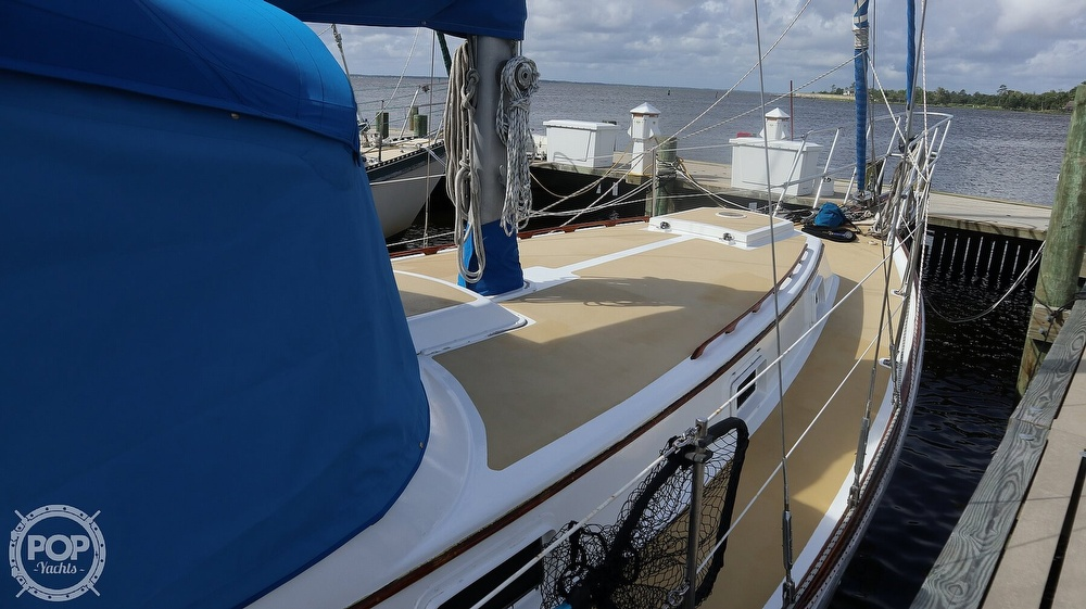 1974 Gulfstar boat for sale, model of the boat is 41 Center Cockpit & Image # 24 of 40