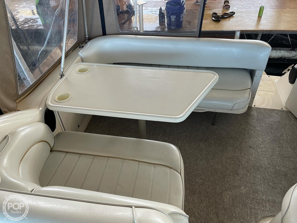1996 Sea Ray boat for sale, model of the boat is 270 Sundancer & Image # 25 of 40