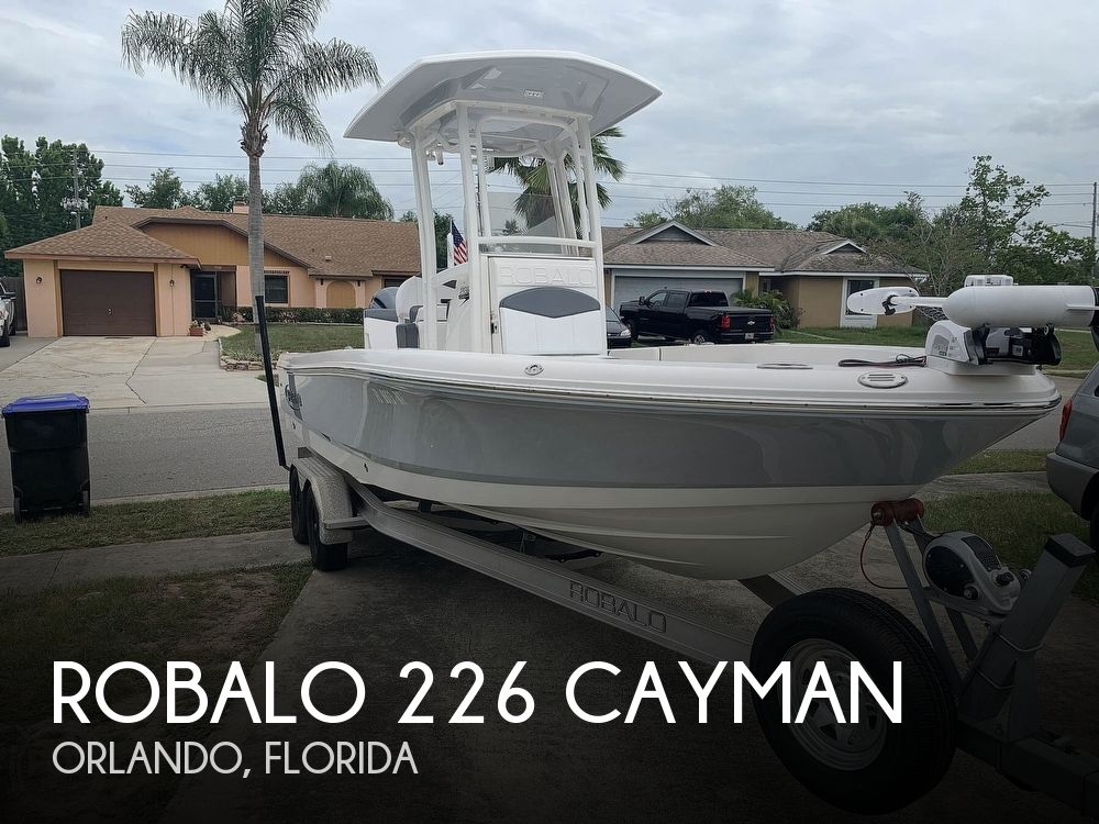 2019 Robalo boat for sale, model of the boat is 226 Cayman & Image # 1 of 40