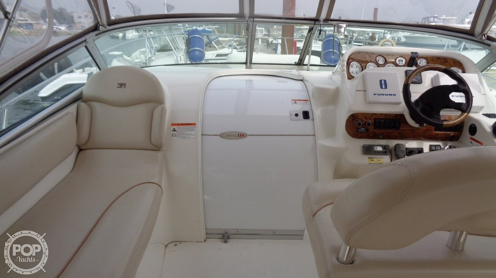 2003 Larson boat for sale, model of the boat is Cabrio 310 & Image # 22 of 40