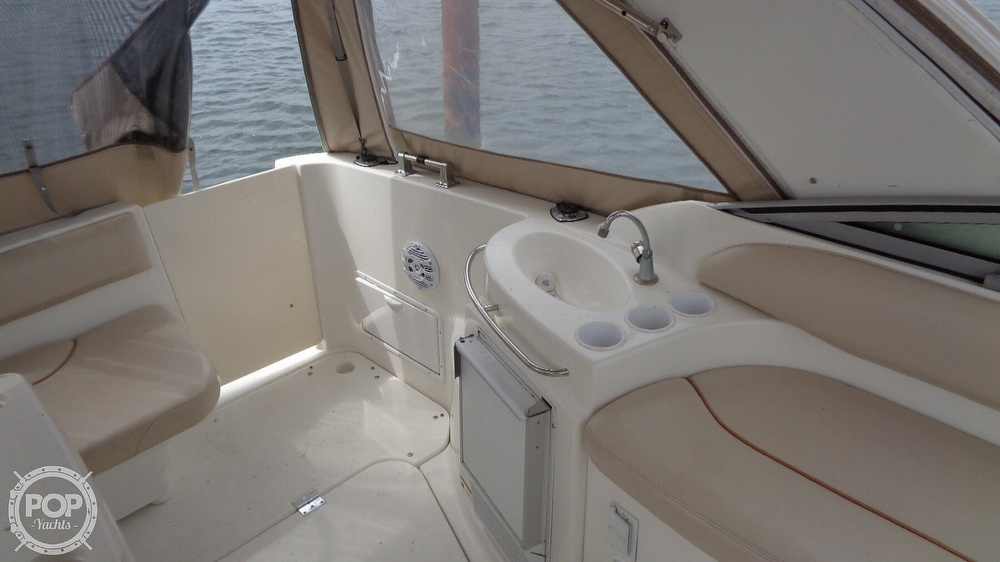 2003 Larson boat for sale, model of the boat is Cabrio 310 & Image # 27 of 40