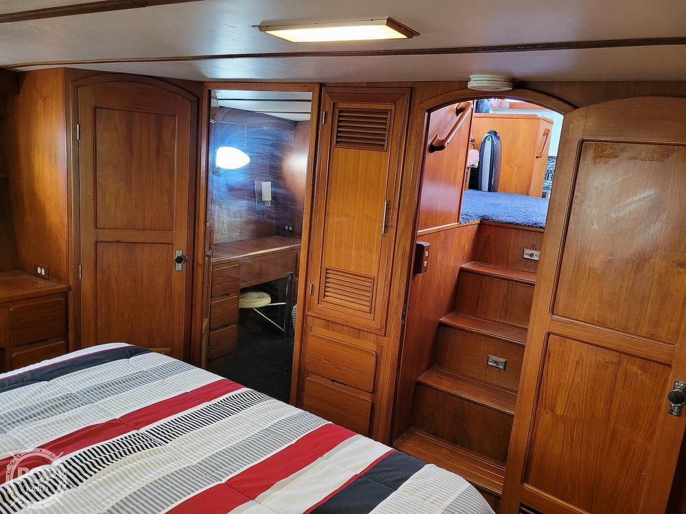 1991 CHB boat for sale, model of the boat is 48 Seamaster & Image # 16 of 40