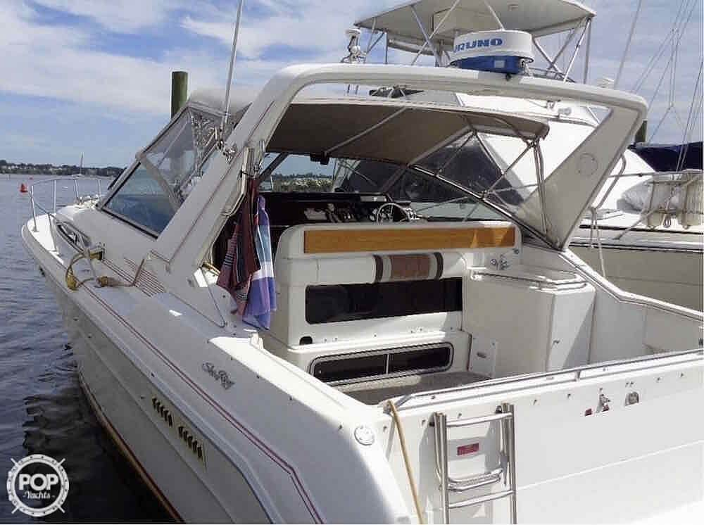 1990 Sea Ray boat for sale, model of the boat is 310 Sundancer & Image # 11 of 40