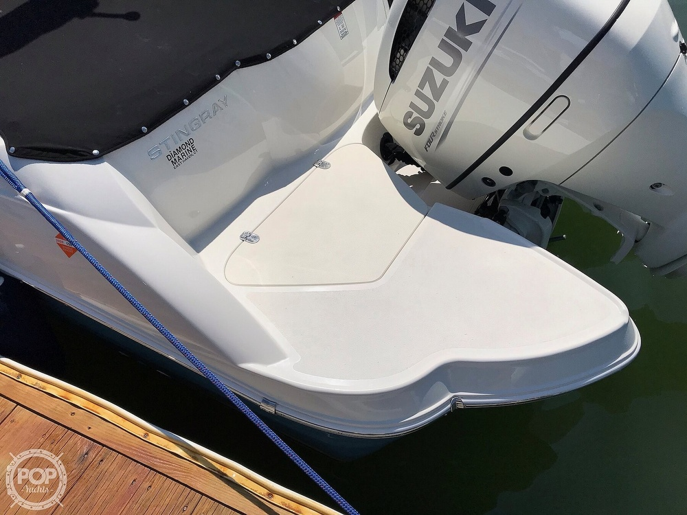 2020 Stingray boat for sale, model of the boat is 231 DC & Image # 10 of 40