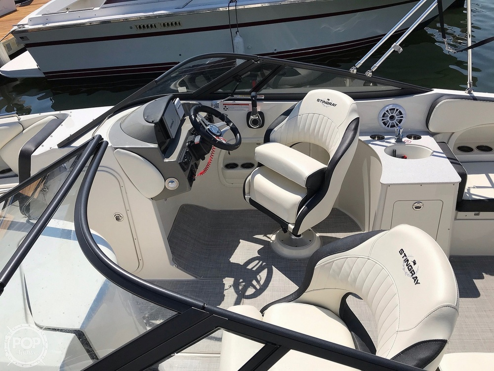 2020 Stingray boat for sale, model of the boat is 231 DC & Image # 5 of 40
