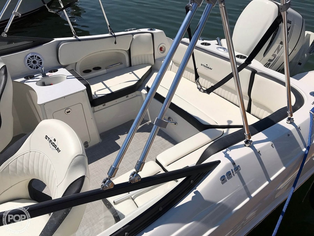 2020 Stingray boat for sale, model of the boat is 231 DC & Image # 23 of 40