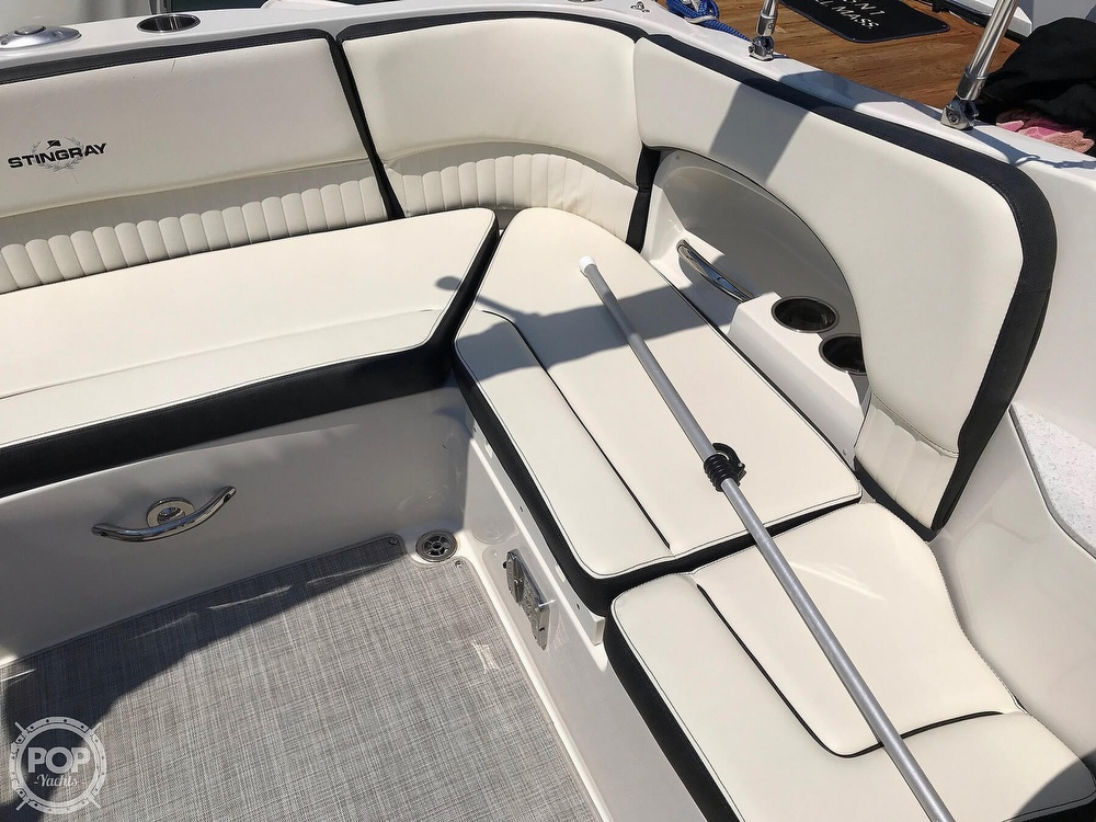 2020 Stingray boat for sale, model of the boat is 231 DC & Image # 32 of 40