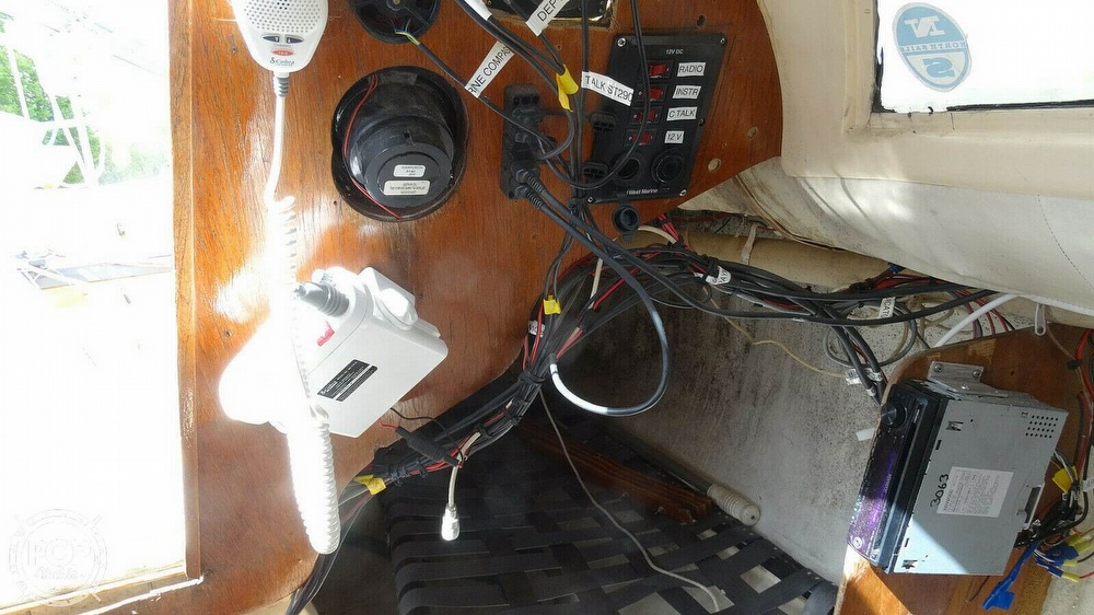 1985 Hobie boat for sale, model of the boat is H33M & Image # 8 of 16