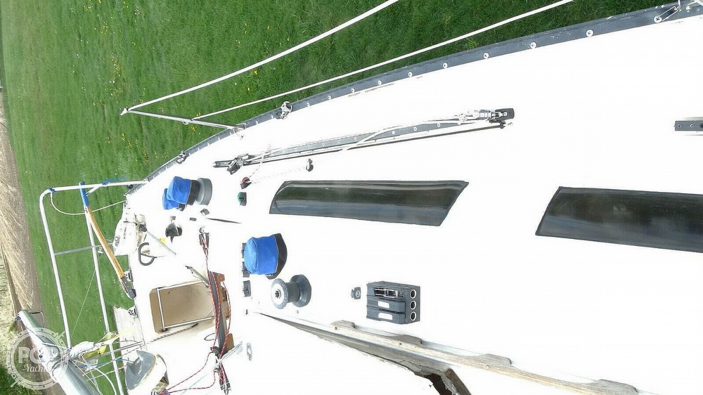 1985 Hobie boat for sale, model of the boat is H33M & Image # 11 of 16