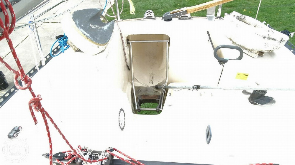 1985 Hobie boat for sale, model of the boat is H33M & Image # 13 of 16