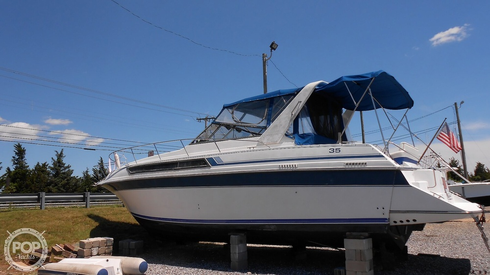 1990 Carver boat for sale, model of the boat is 3557 Montego & Image # 5 of 40