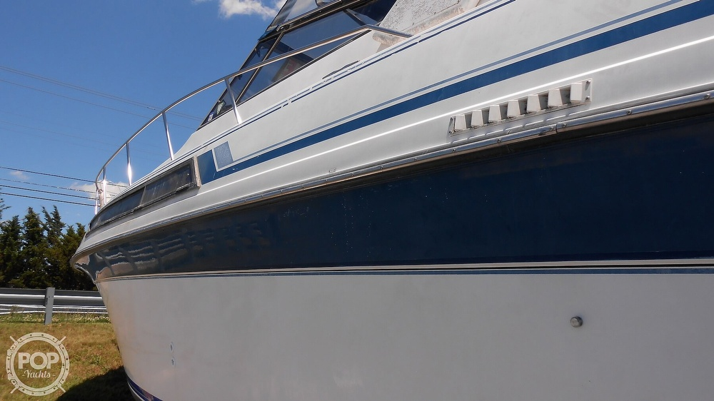 1990 Carver boat for sale, model of the boat is 3557 Montego & Image # 12 of 40