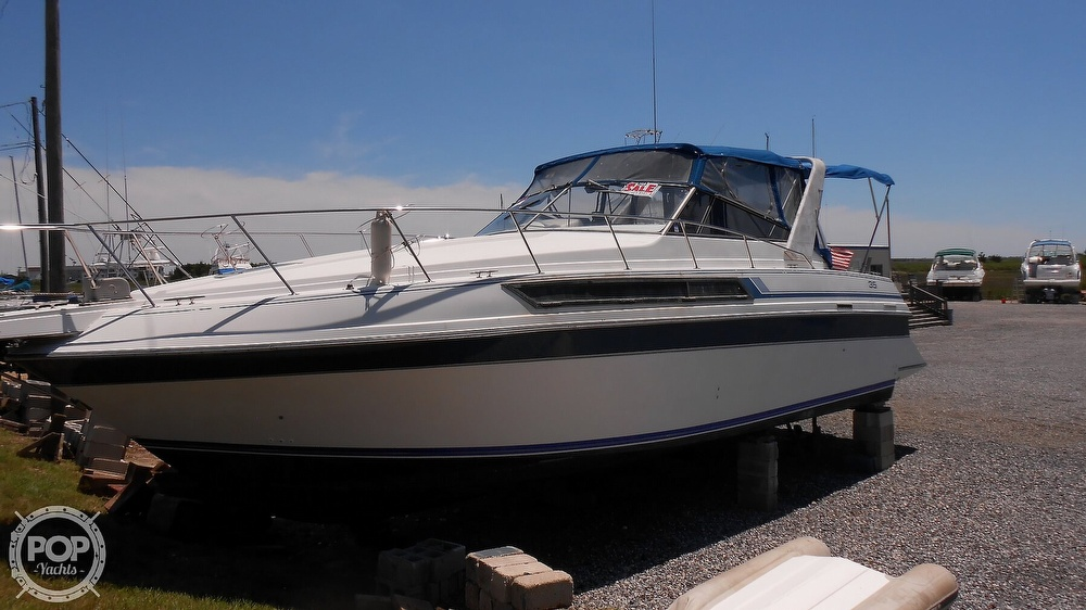 1990 Carver boat for sale, model of the boat is 3557 Montego & Image # 20 of 40