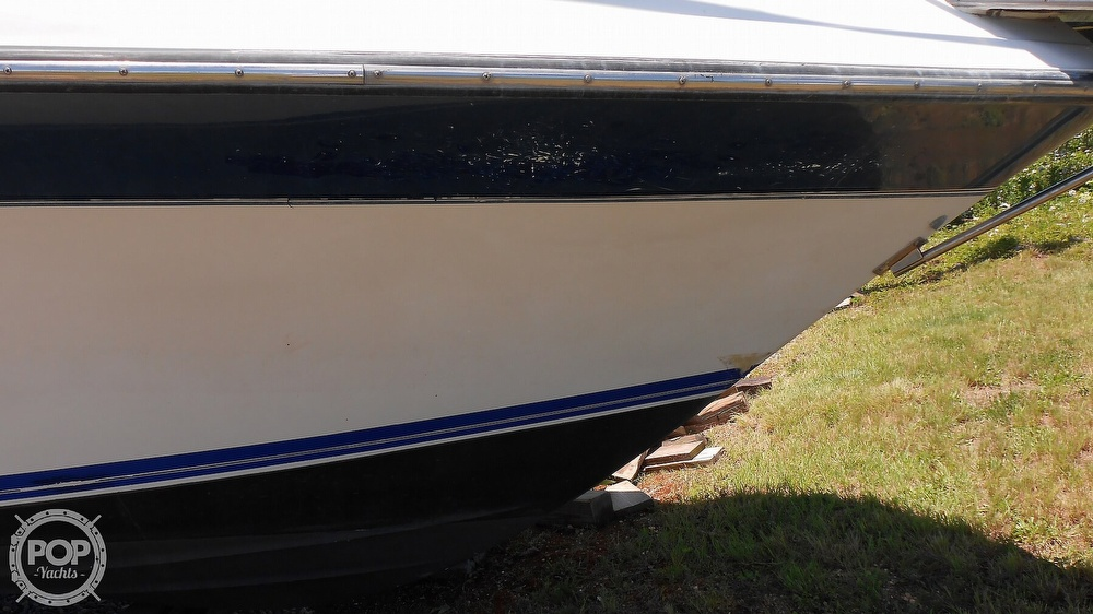 1990 Carver boat for sale, model of the boat is 3557 Montego & Image # 33 of 40