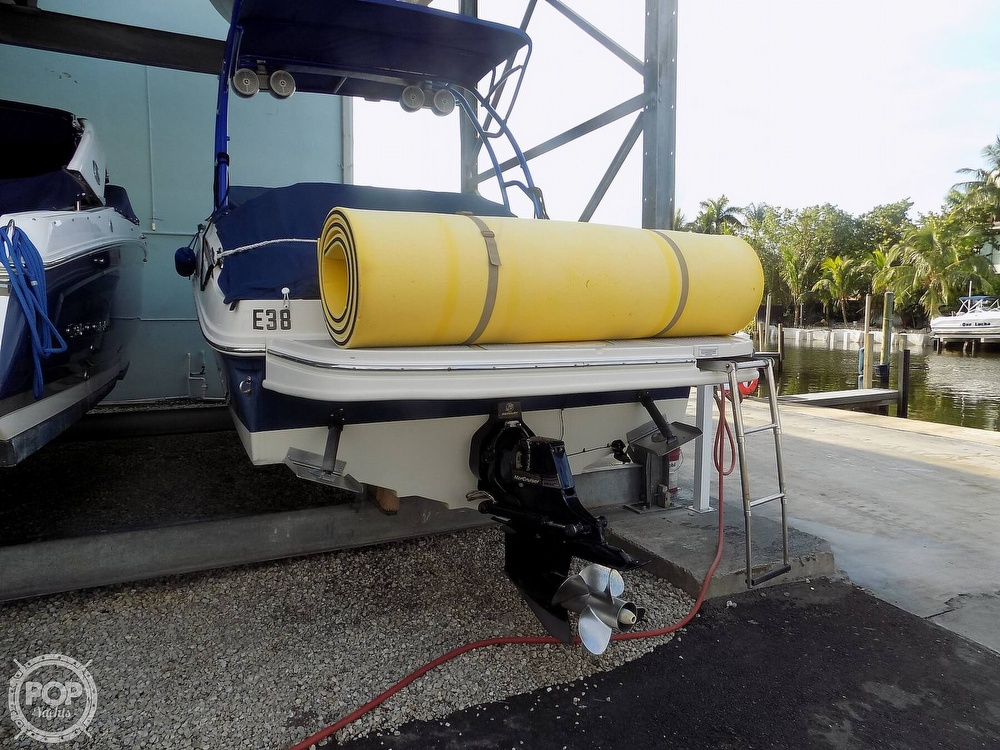 2010 Sea Ray boat for sale, model of the boat is 260 Sundeck & Image # 13 of 40