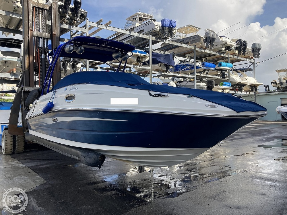 2010 Sea Ray boat for sale, model of the boat is 260 Sundeck & Image # 3 of 40
