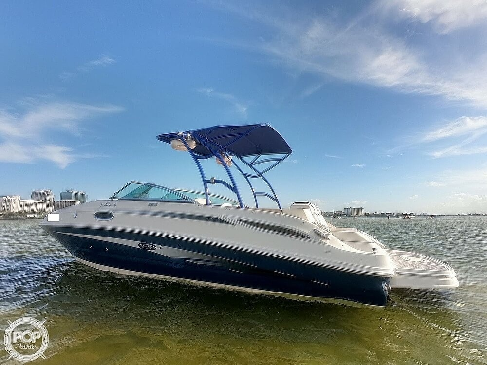 2010 Sea Ray boat for sale, model of the boat is 260 Sundeck & Image # 2 of 40
