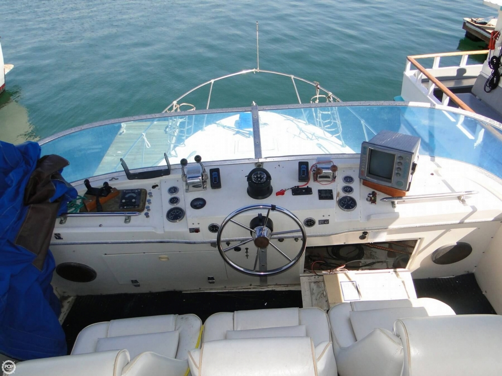 1972 Uniflite boat for sale, model of the boat is 36 Double Cabin & Image # 3 of 40