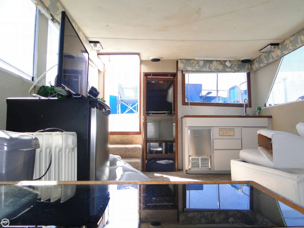 1972 Uniflite boat for sale, model of the boat is 36 Double Cabin & Image # 7 of 40