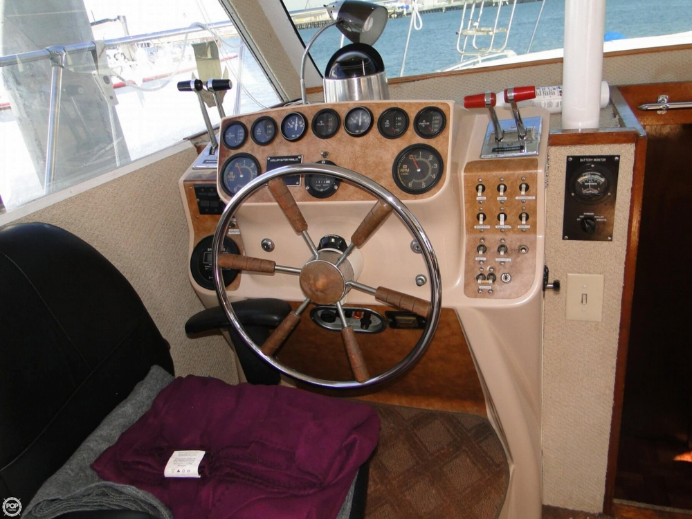 1972 Uniflite boat for sale, model of the boat is 36 Double Cabin & Image # 9 of 40