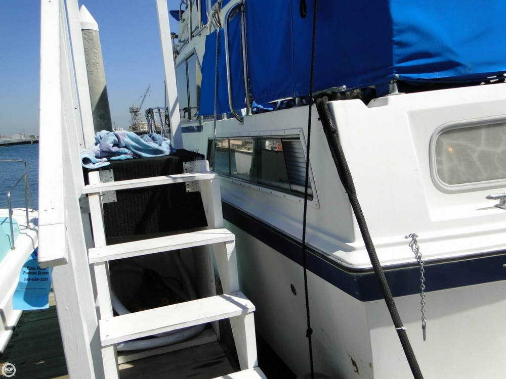 1972 Uniflite boat for sale, model of the boat is 36 Double Cabin & Image # 27 of 40