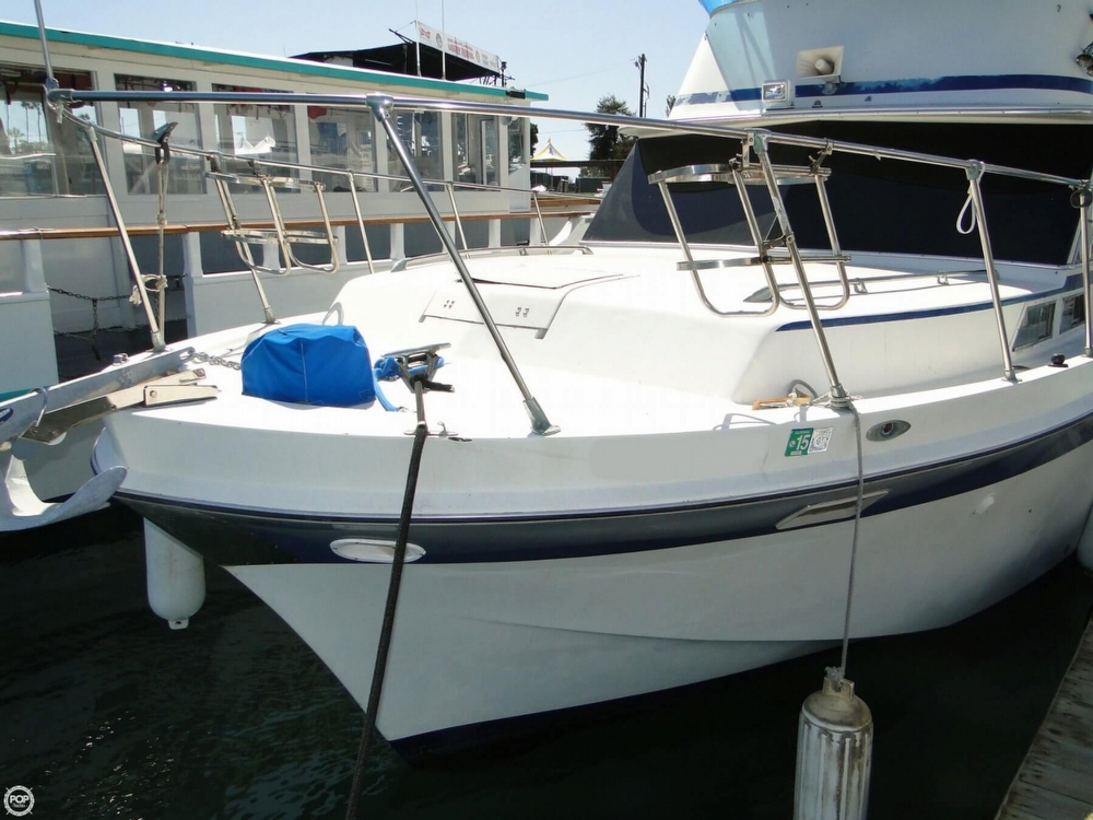 1972 Uniflite boat for sale, model of the boat is 36 Double Cabin & Image # 34 of 40