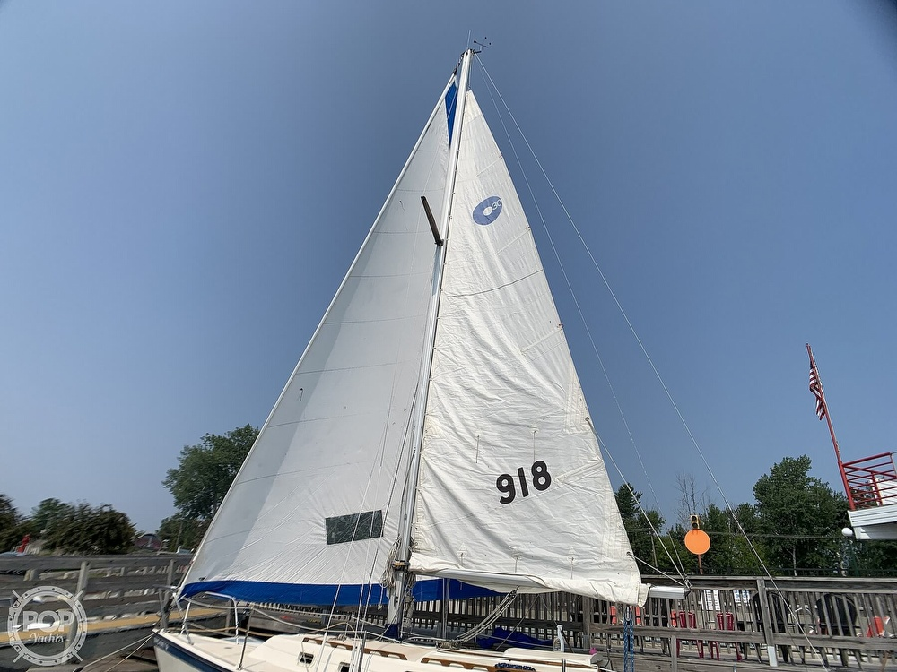 1982 O'day boat for sale, model of the boat is 30 & Image # 9 of 40