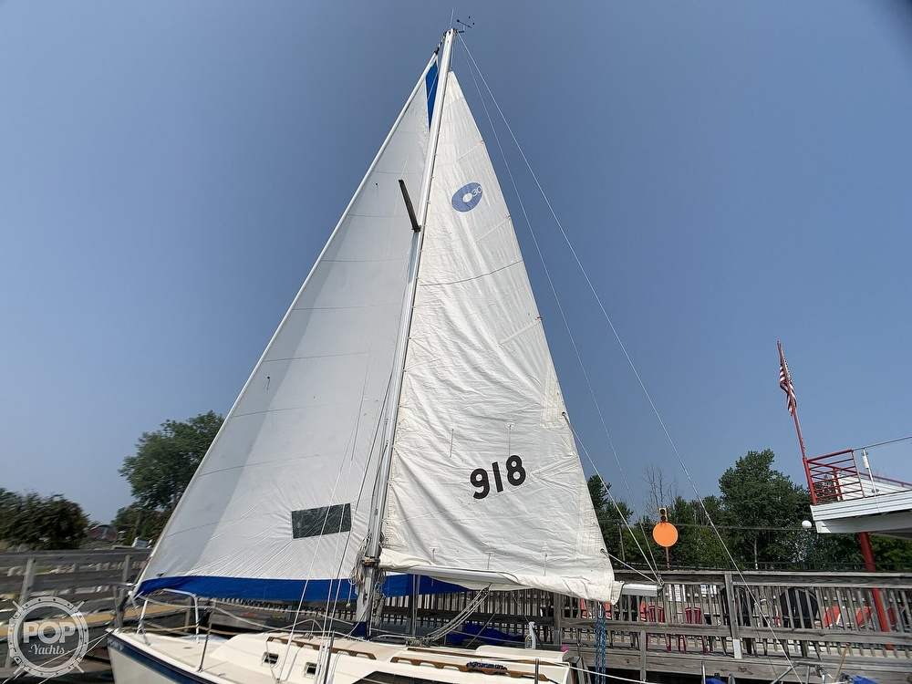 1982 O'day boat for sale, model of the boat is 30 & Image # 15 of 40