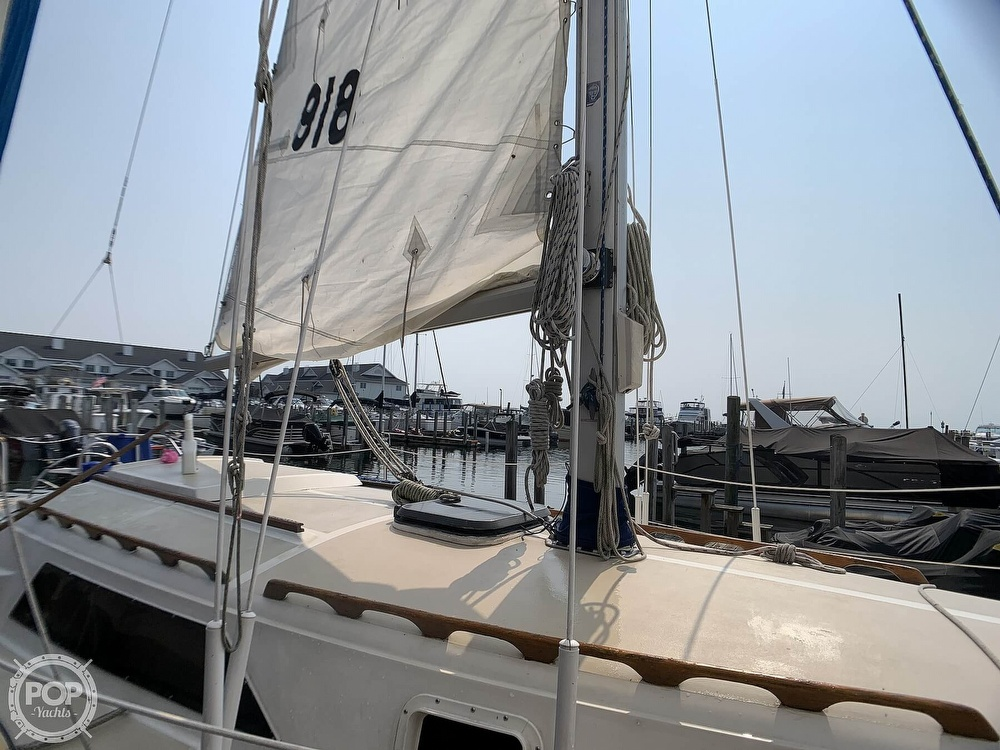 1982 O'day boat for sale, model of the boat is 30 & Image # 20 of 40