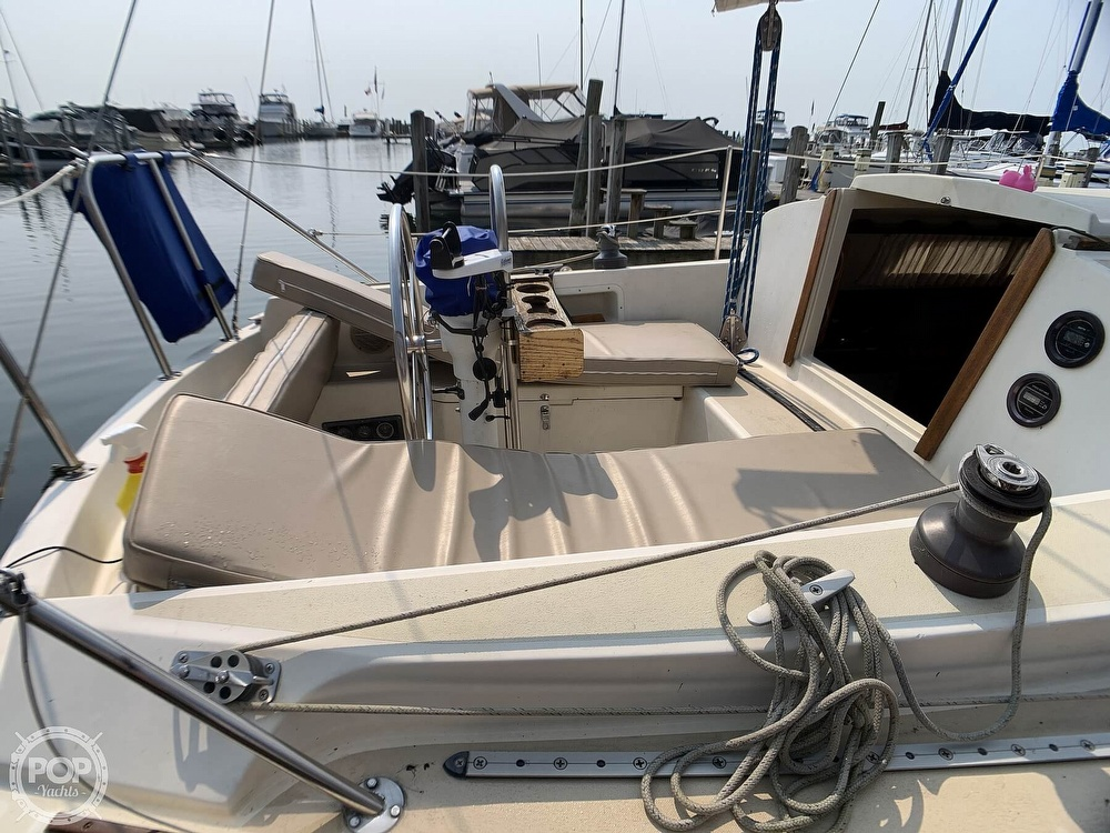 1982 O'day boat for sale, model of the boat is 30 & Image # 24 of 40