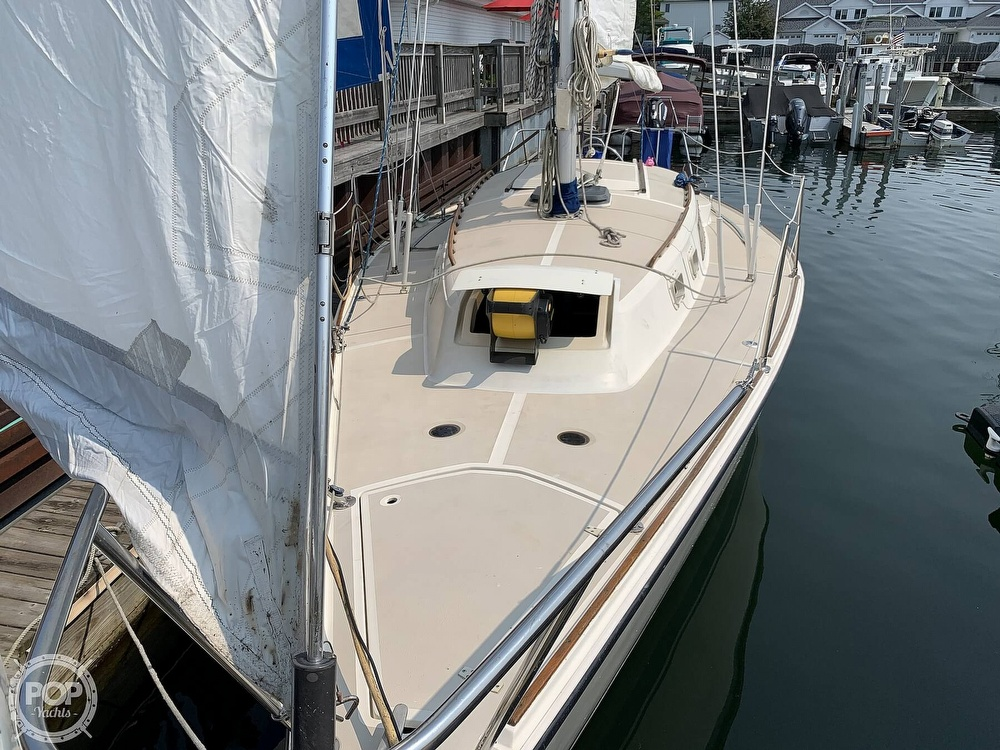 1982 O'day boat for sale, model of the boat is 30 & Image # 3 of 40