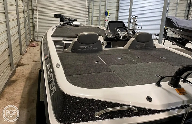 2016 Skeeter boat for sale, model of the boat is Zx225 & Image # 3 of 9