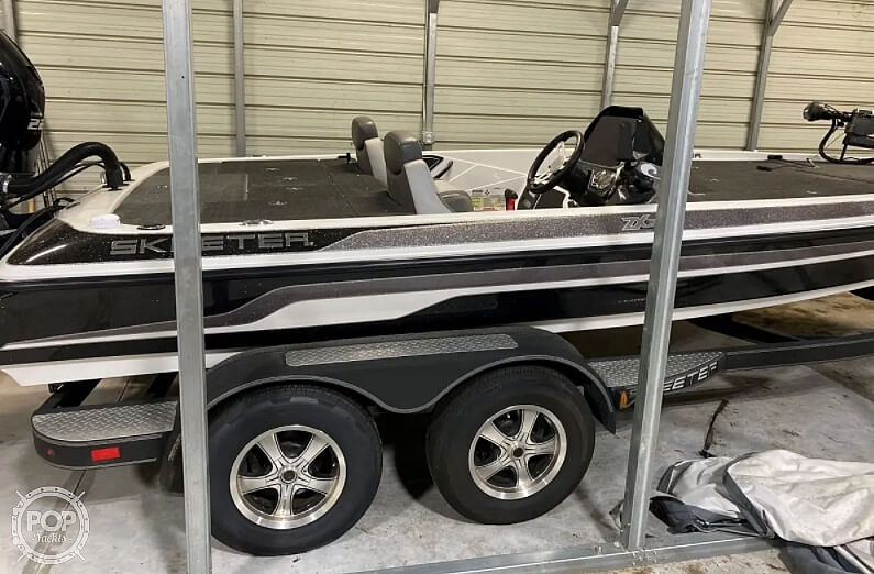2016 Skeeter boat for sale, model of the boat is Zx225 & Image # 8 of 9