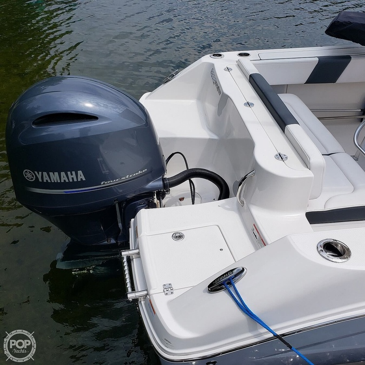 2019 Robalo boat for sale, model of the boat is 202 Explorer & Image # 10 of 40