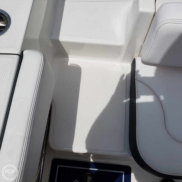 2019 Robalo boat for sale, model of the boat is 202 Explorer & Image # 21 of 40