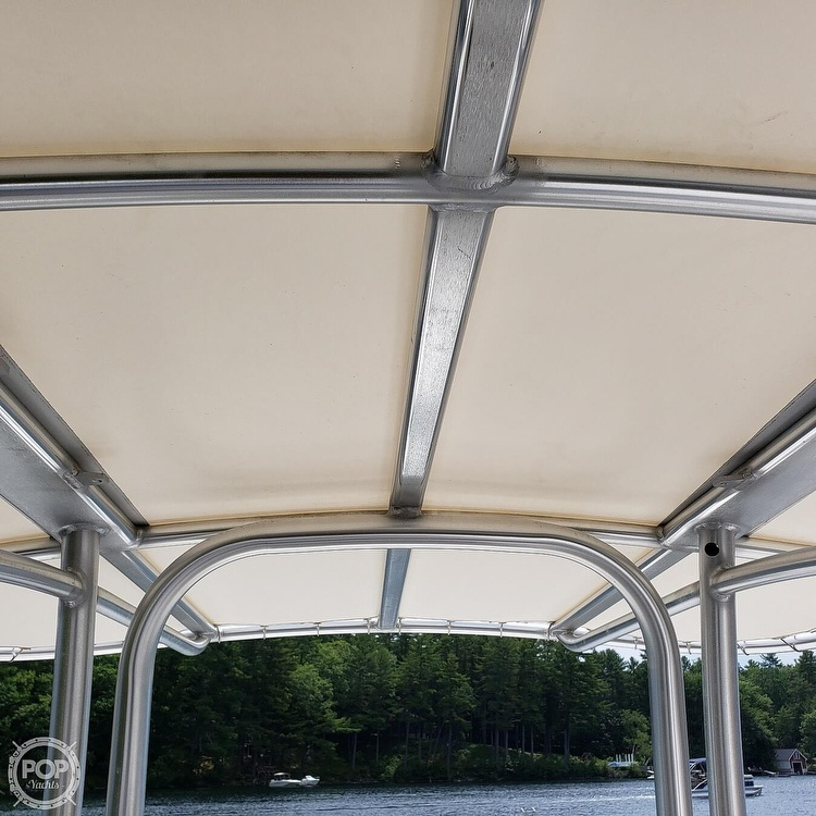 2019 Robalo boat for sale, model of the boat is 202 Explorer & Image # 33 of 40