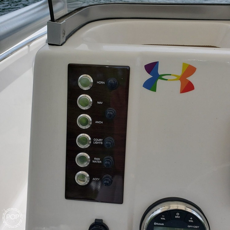 2019 Robalo boat for sale, model of the boat is 202 Explorer & Image # 38 of 40